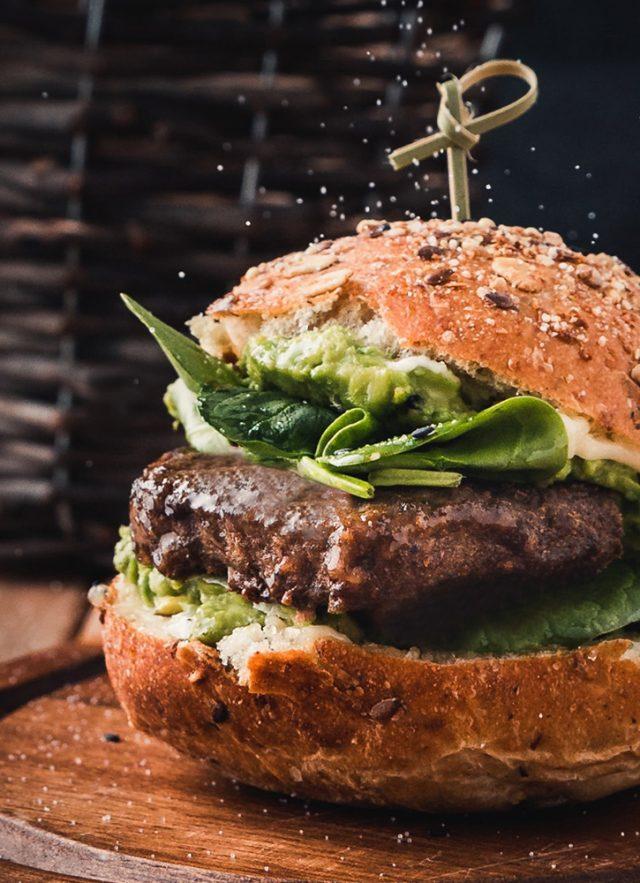 https://www.artigianidellabirra.it/storage/2020/10/birra-e-hamburger-640x883.jpg